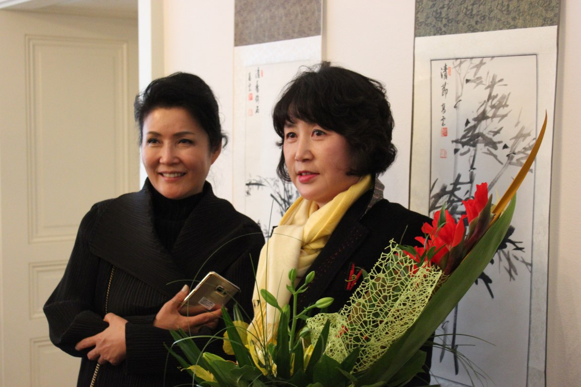 Painter Sang-Jeong Park and dancer Kyunghwa Lee after the workshop at the Ostrava Museum (Medium)